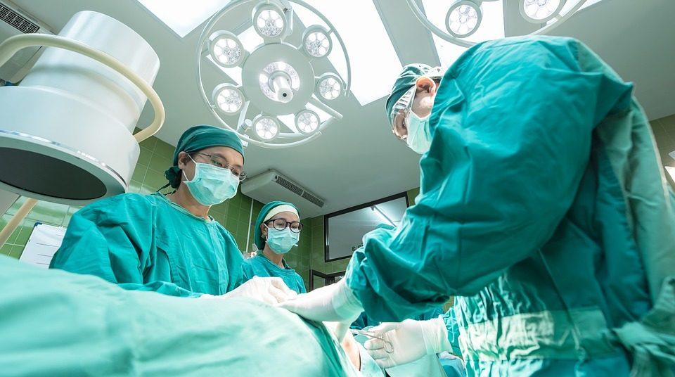 surgery-1807541_960_720